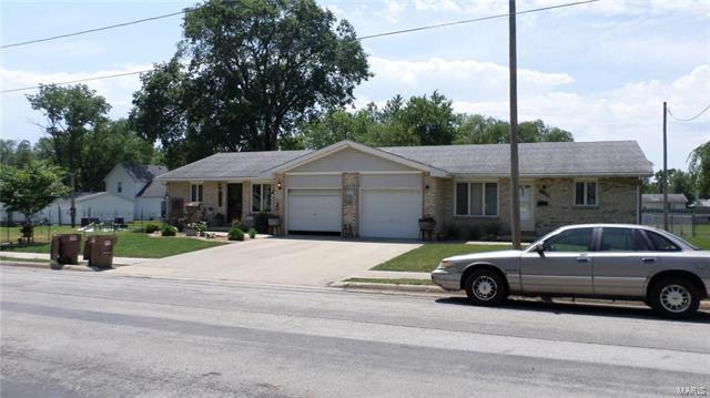 200 E Buchanan, LITCHFIELD, IL 62056 (#17049713) :: Fusion Realty, LLC