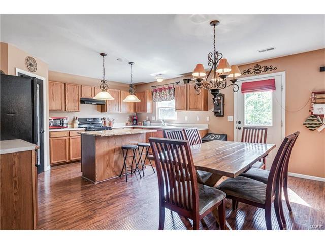 332 Falling Leaf Way, Mascoutah, IL 62258 (#17057225) :: Holden Realty Group - RE/MAX Preferred