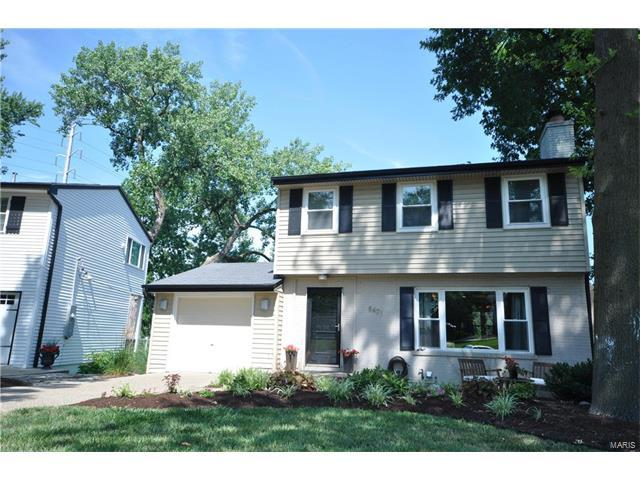 8471 Colonial Lane, Ladue, MO 63124 (#17057233) :: RE/MAX Vision