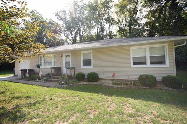 102 S 98th Street, Belleville, IL 62223 (#17077100) :: Sue Martin Team