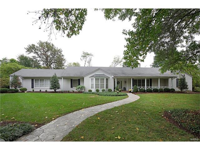 18 Ladue Manor, Ladue, MO 63124 (#17077344) :: RE/MAX Vision