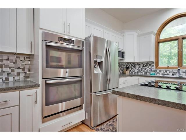 15537 Debridge Way, Florissant, MO 63034 (#17097337) :: Clarity Street Realty
