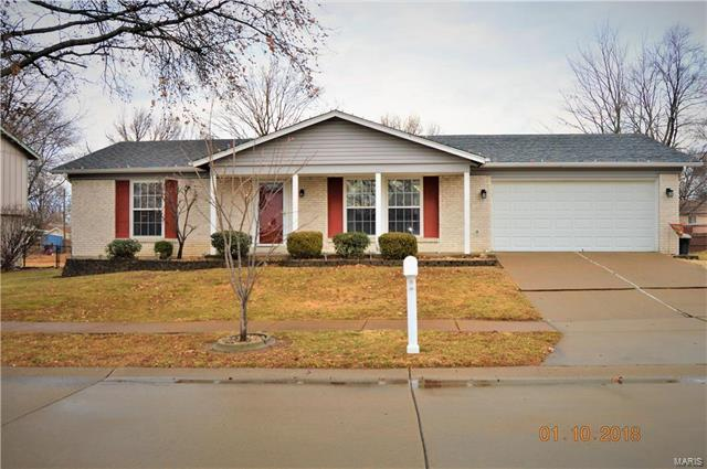 11879 Wexford Place, Maryland Heights, MO 63043 (#18003101) :: St. Louis Finest Homes Realty Group