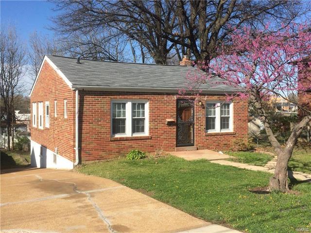 9013 Tudor Avenue, St Louis, MO 63114 (#18003186) :: Clarity Street Realty