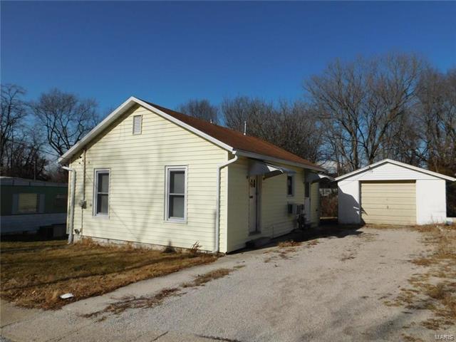 413 W Seward Street, Hillsboro, IL 62049 (#18003494) :: Sue Martin Team