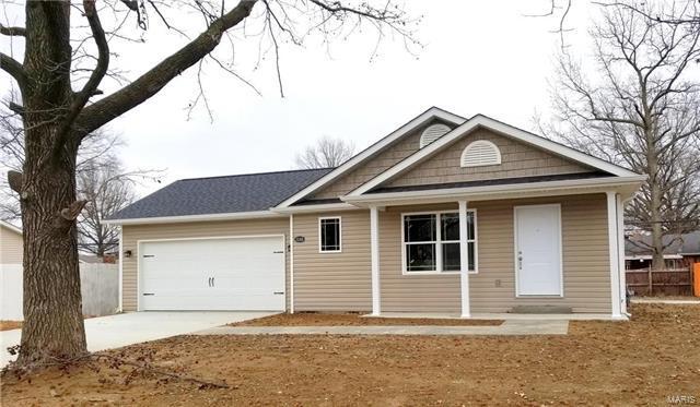 3248 Edgewood Avenue, Granite City, IL 62040 (#18004553) :: The Kathy Helbig Group