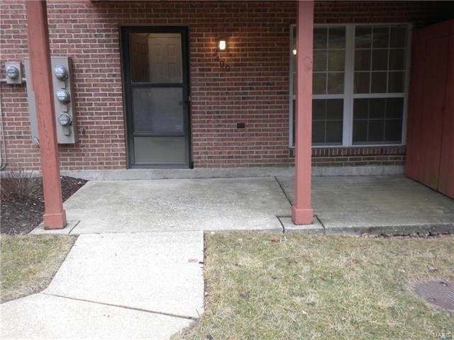 2400 Silkwood Drive, St Louis, MO 63114 (#18007070) :: Sue Martin Team