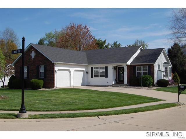 6816 White Oak, Edwardsville, IL 62025 (#18010517) :: Clarity Street Realty