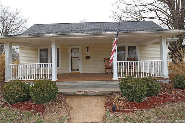 807 W Liberty Street, Farmington, MO 63640 (#18013491) :: Sue Martin Team