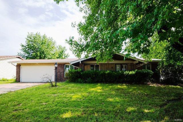 837 Townhouse Lane, Hazelwood, MO 63042 (#18052565) :: Clarity Street Realty