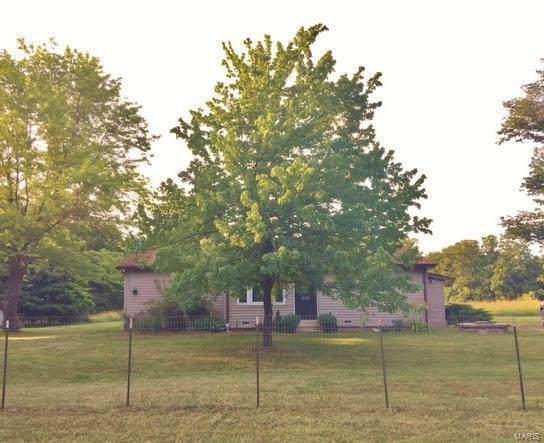 8850 County Rd 449, Steedman, MO 65077 (#19057077) :: Clarity Street Realty