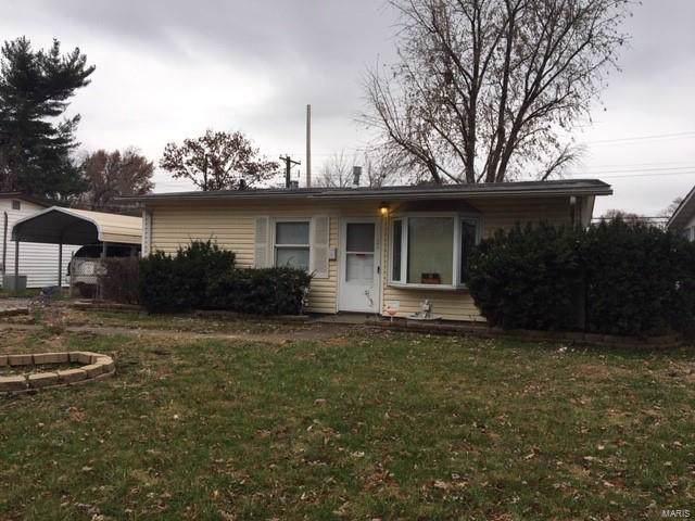 1124 St Michael Drive, Cahokia, IL 62206 (#19086398) :: RE/MAX Vision