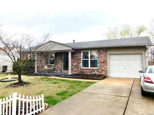 1225 Trails Drive, Fenton, MO 63026 (#20008853) :: Clarity Street Realty