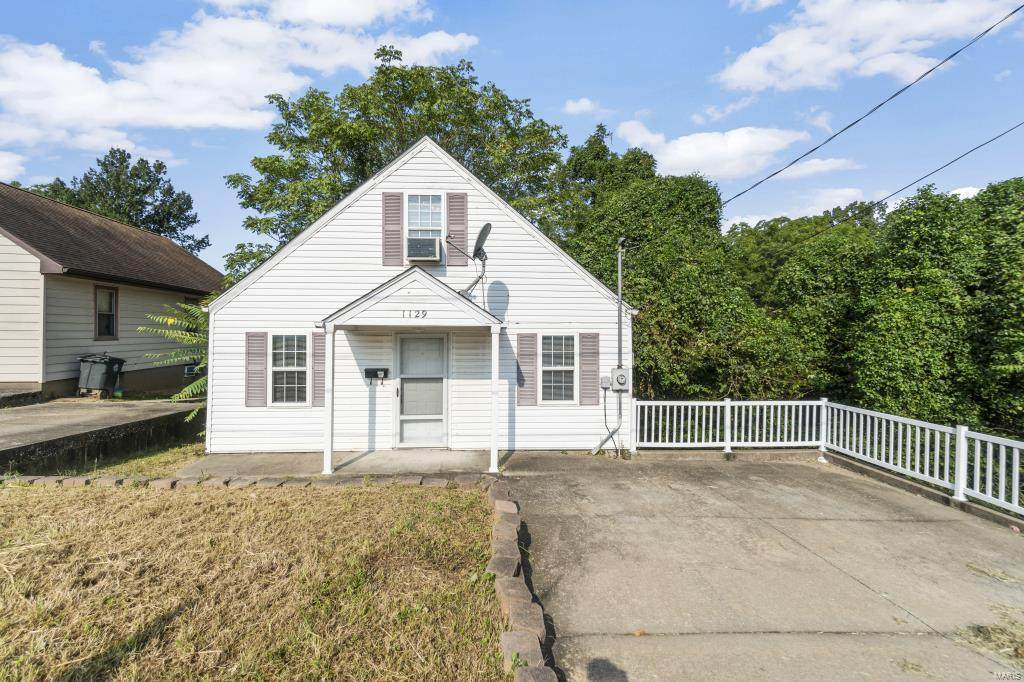 1129 Middle Street - Photo 1