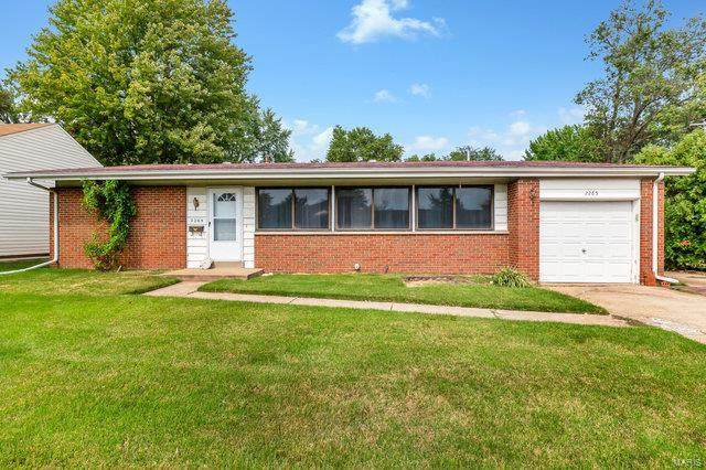 2265 Parker Road, Florissant, MO 63033 (#20066430) :: Peter Lu Team