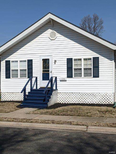 136 W 2nd, Roxana, IL 62084 (#21002902) :: Tarrant & Harman Real Estate and Auction Co.