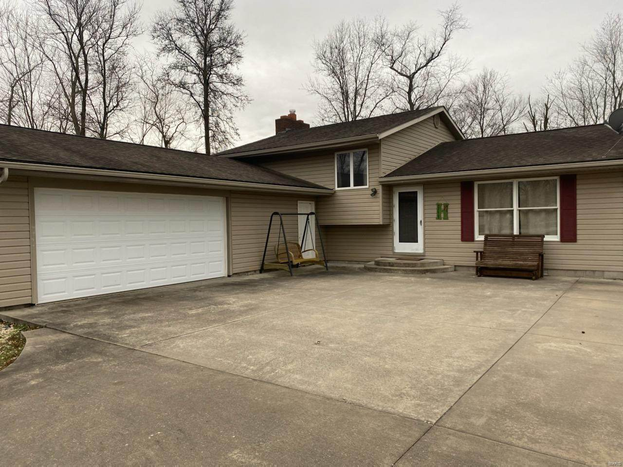 1405 Old Duquoin Road - Photo 1