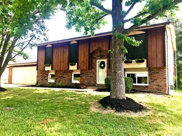 1918 Maple Lane, Arnold, MO 63010 (#21041975) :: Jeremy Schneider Real Estate