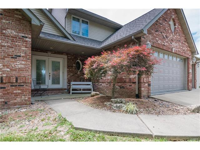 136 Taylor Lake Drive, Troy, IL 62294 (#17026167) :: Clarity Street Realty