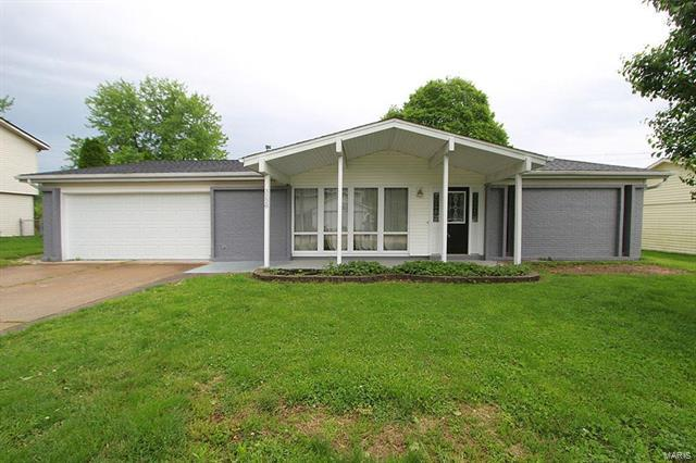 3228 West Boulevard, Belleville, IL 62221 (#17033315) :: Clarity Street Realty