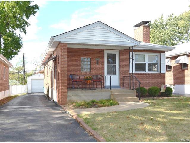 5015 Deville Avenue, Shrewsbury, MO 63119 (#17084252) :: Clarity Street Realty