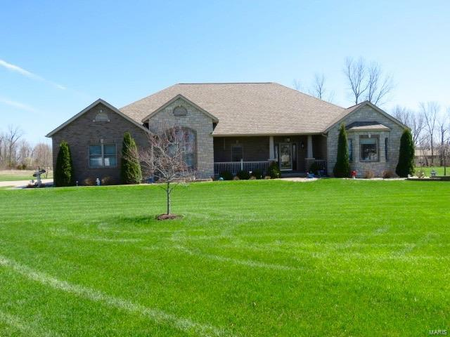 620 Mor Street, GILLESPIE, IL 62033 (#17095677) :: Fusion Realty, LLC