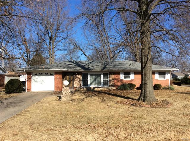 123 Clearview Drive, Belleville, IL 62223 (#18000295) :: Clarity Street Realty
