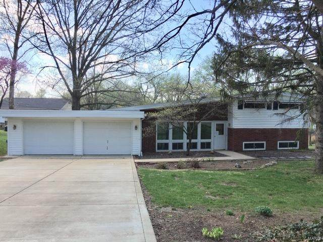4135 Jamie Drive, Unincorporated, MO 63128 (#20020049) :: The Becky O'Neill Power Home Selling Team