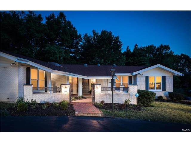 12576 Glencroft Drive, Sunset Hills, MO 63128 (#17054392) :: The Becky O'Neill Power Home Selling Team