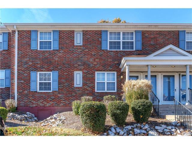 1407 Bluebird Terr, St Louis, MO 63144 (#17080164) :: Carrington Real Estate Services