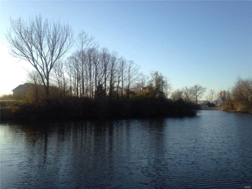 2812 Scenic Lake Drive - Photo 1