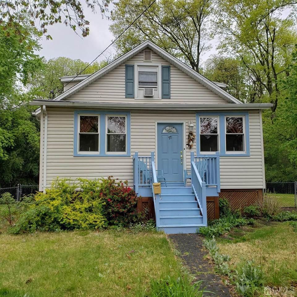 77 Longfellow Avenue - Photo 1