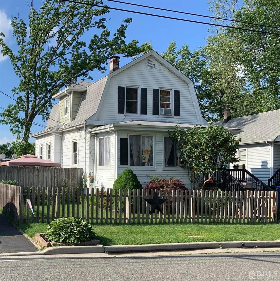 9 Woodland Avenue - Photo 1