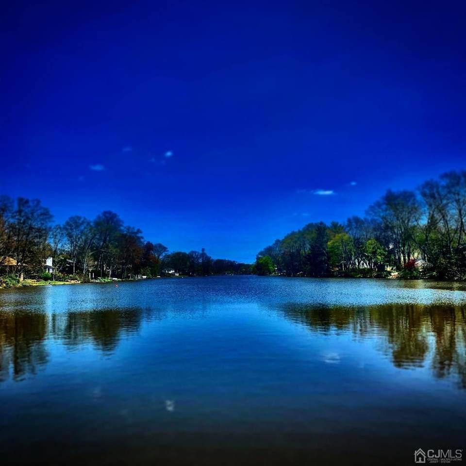 20 Lakeside Drive - Photo 1