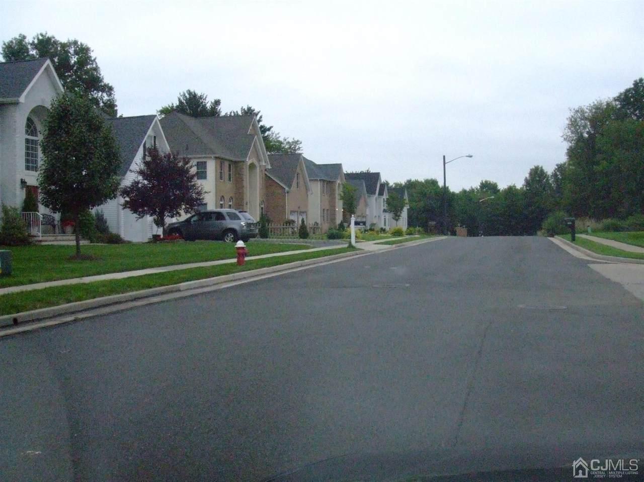 426 Kosciusco Avenue - Photo 1