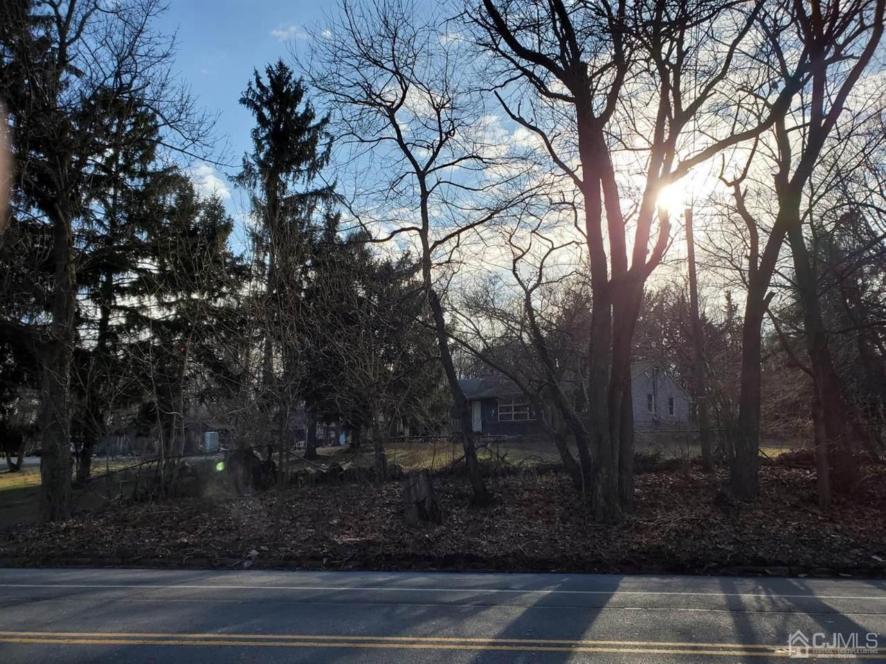 455 Franklin Boulevard - Photo 1