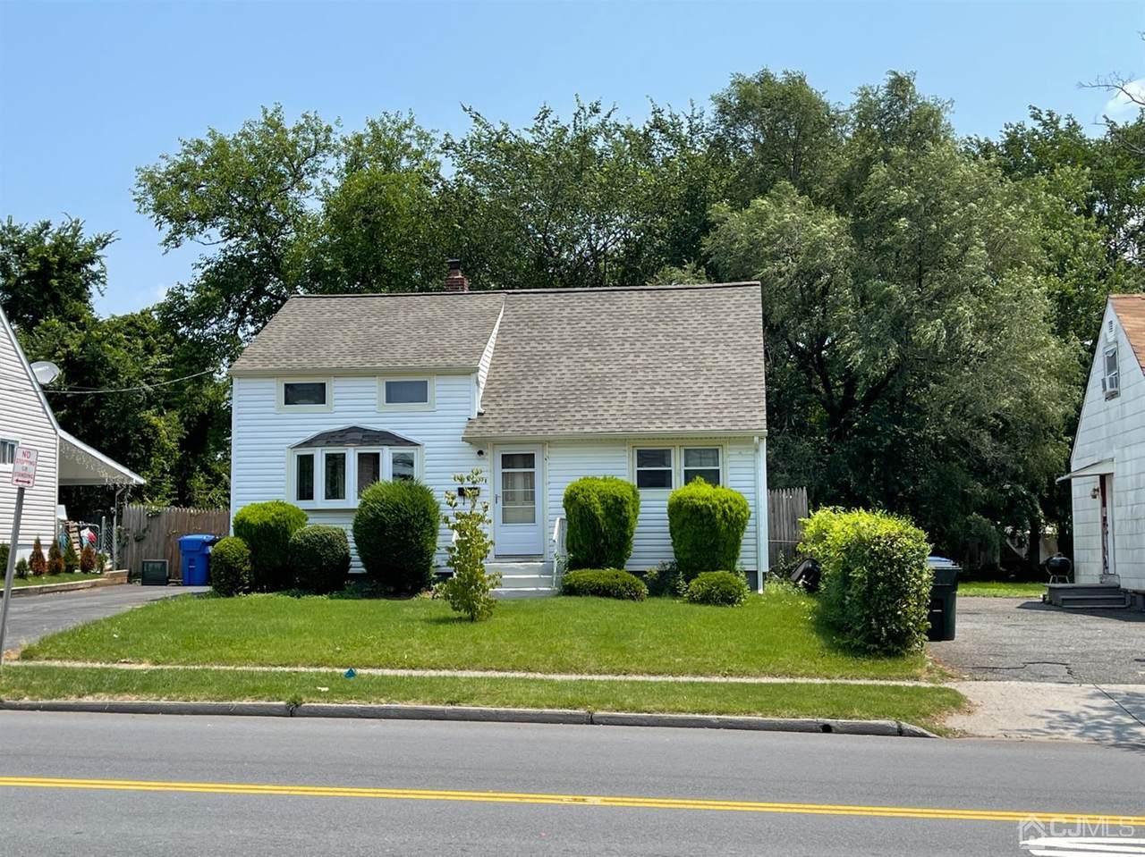 218 Wood Avenue - Photo 1