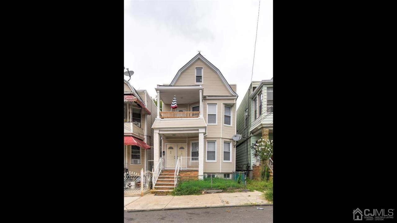 210 Grant Avenue - Photo 1