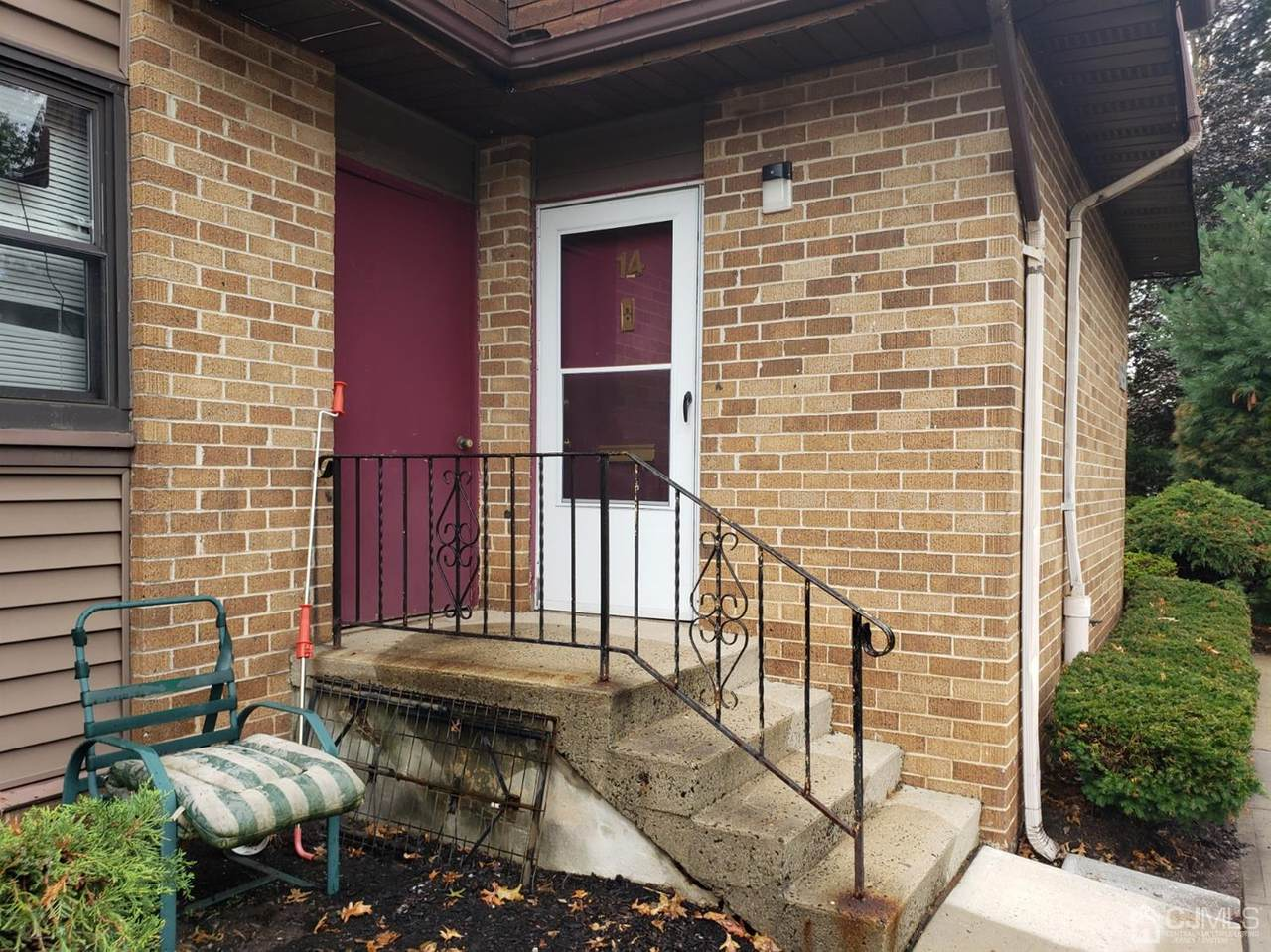 1133 Livingston Avenue - Photo 1