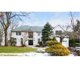 10 Westlake Court, North Brunswick, NJ 08902 (MLS #1712003) :: The Dekanski Home Selling Team