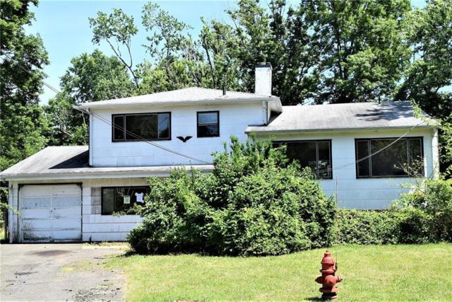 33 Candlewood Court, Colonia, NJ 07067 (MLS #1827979) :: The Dekanski Home Selling Team