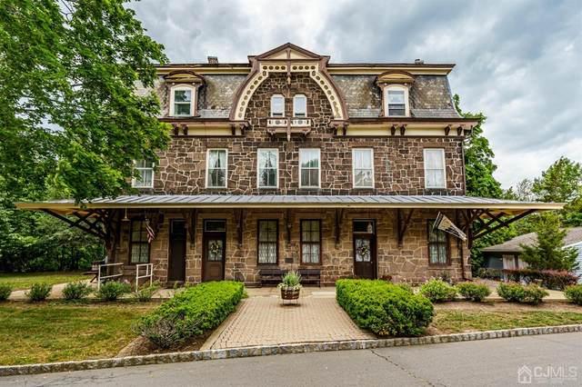 18 Railroad Place, Pennington, NJ 08534 (MLS #2101149) :: William Hagan Group
