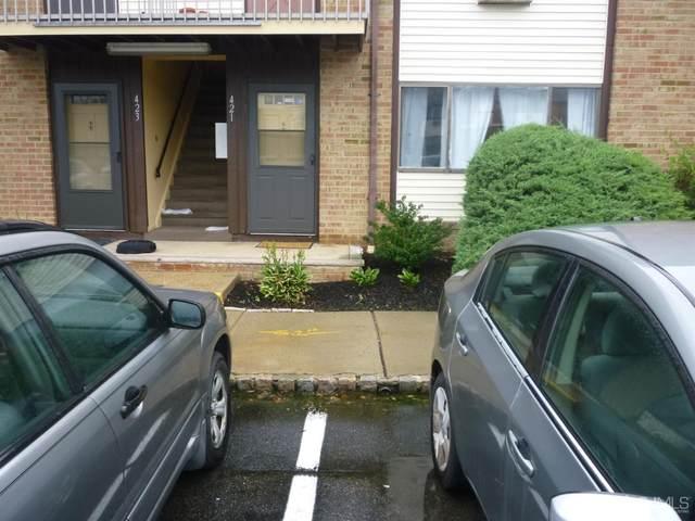 421 Cricket Lane #421, Woodbridge Proper, NJ 07095 (MLS #2103201) :: The Sikora Group
