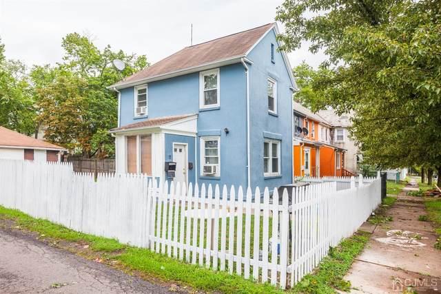 15 Quentin Avenue, New Brunswick, NJ 08901 (MLS #2103592) :: The Sikora Group