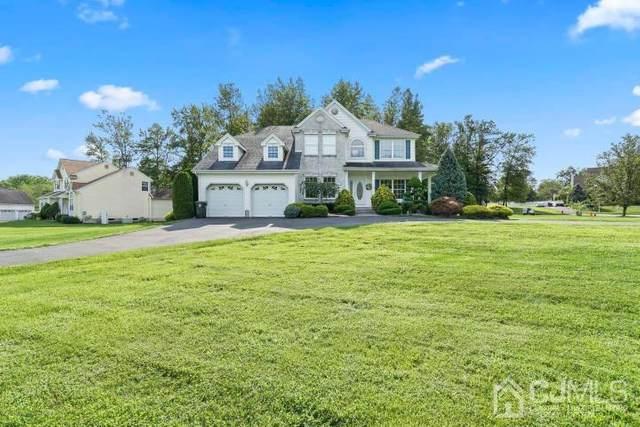 11 Kerr Lane, Old Bridge, NJ 07747 (MLS #2104278) :: Kiliszek Real Estate Experts