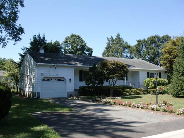 8 Farrington Avenue, East Brunswick, NJ 08850 (MLS #2106804) :: The Dekanski Home Selling Team