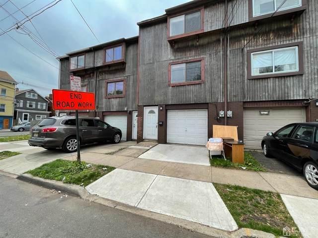 204 Seaman Street, New Brunswick, NJ 08901 (MLS #2116934R) :: Kiliszek Real Estate Experts
