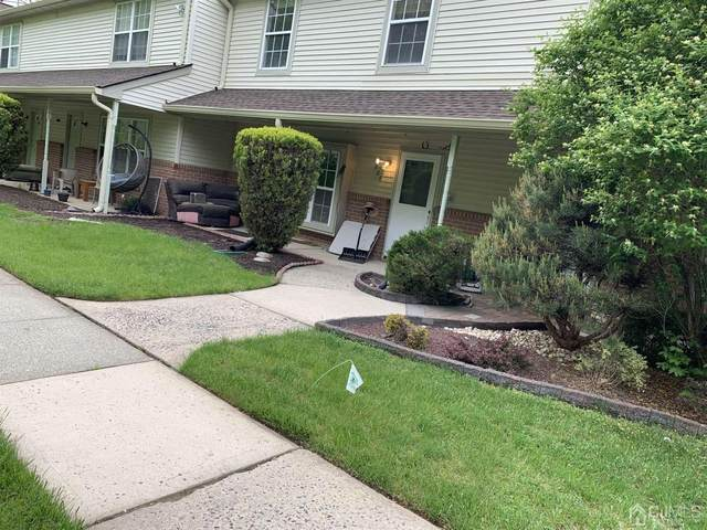 906 Thomas Avenue, North Brunswick, NJ 08902 (MLS #2117480R) :: Gold Standard Realty