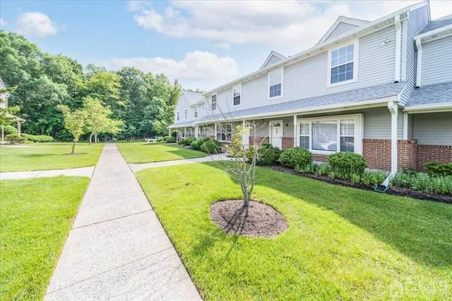922 Thomas Avenue, North Brunswick, NJ 08902 (#2118539R) :: Rowack Real Estate Team