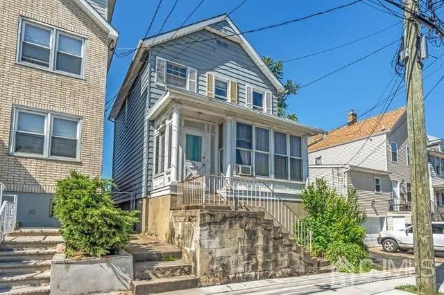 76 Delafield Street, New Brunswick, NJ 08901 (MLS #2119256R) :: Kiliszek Real Estate Experts